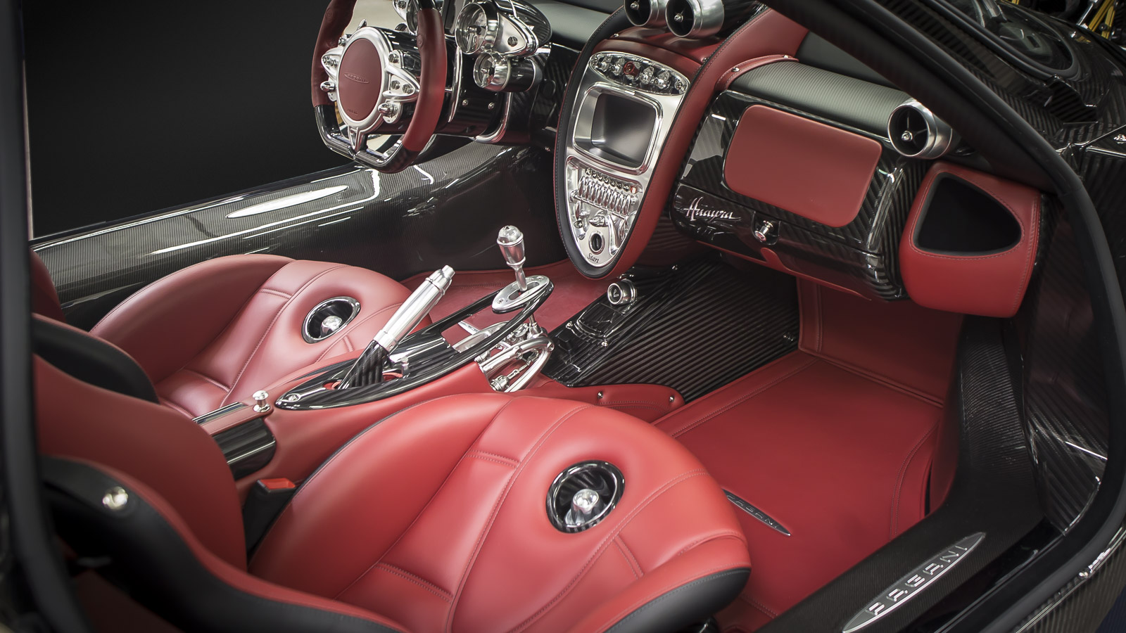 Pagani Huayra Interior Photo by RallyWays