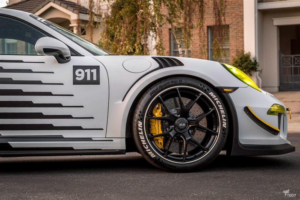 Falken Porsche 991 GT3 RS