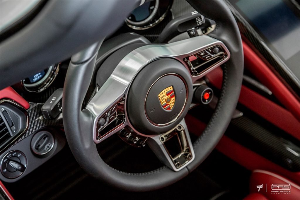 Porsche 918 Spyder Steering Wheel - Photo: Ted 7.