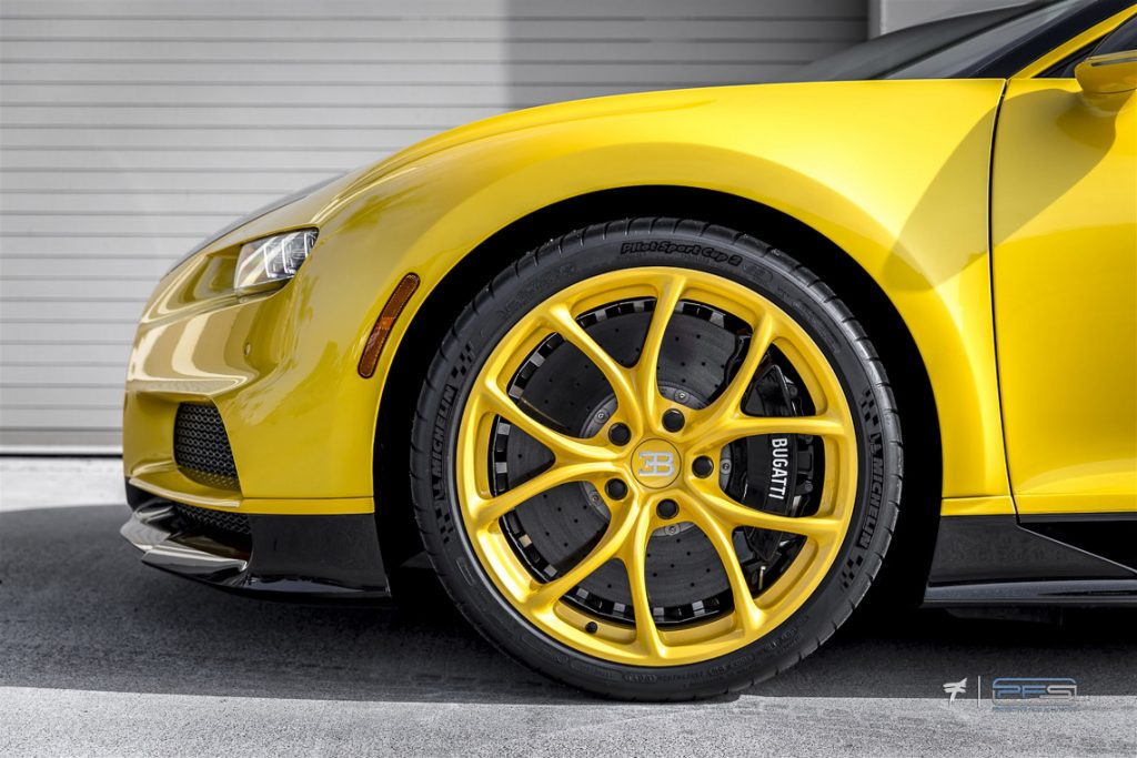 Bugatti Chiron Yellow Wheels